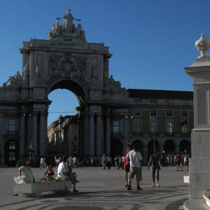 Туристи в Лисабон