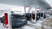 Tesla обяви безплатно зареждане за колите си в Китай