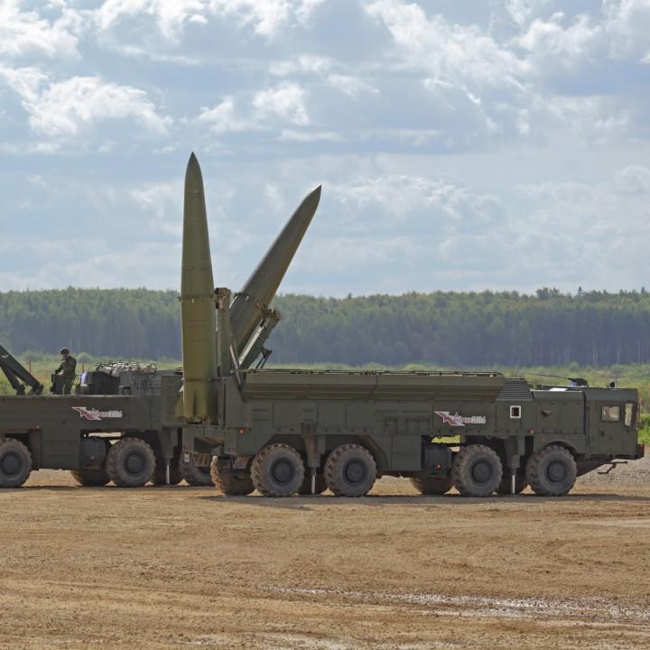 """Руски издания твърдят, че ракетната система """"Искандер"""" е практически непроследима за американската ПРО"""