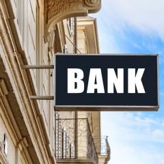Всеки четвърди длъжник преговаря с банките за уреждане на дълговете си