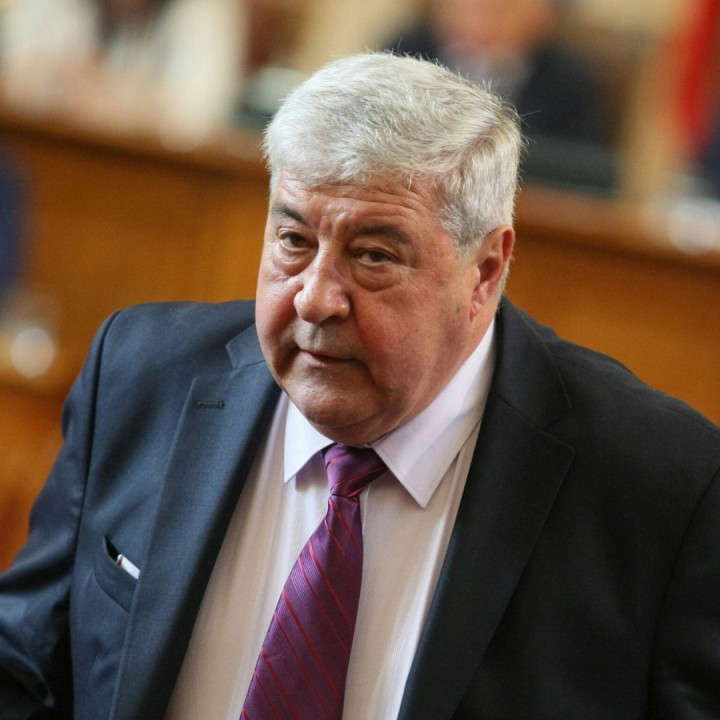 Спас Гърневски попита Нинова какво й е отнела демокрацията