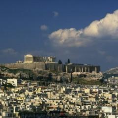 В атинския квартал Кукаки, близо до Акропола, 83 процента от имотите, които се отдават под наем, са регистрирани за краткосрочен
