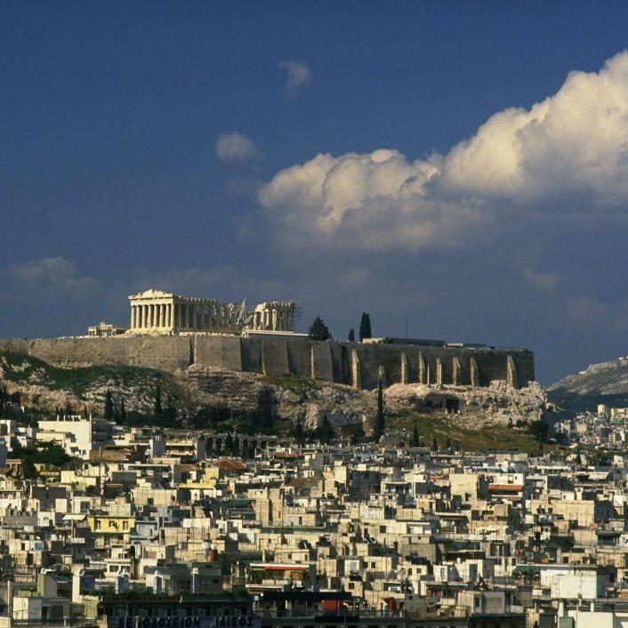Данни от миналия месец сочат, че средният дневен наем в центъра на Атина е бил 51 евро