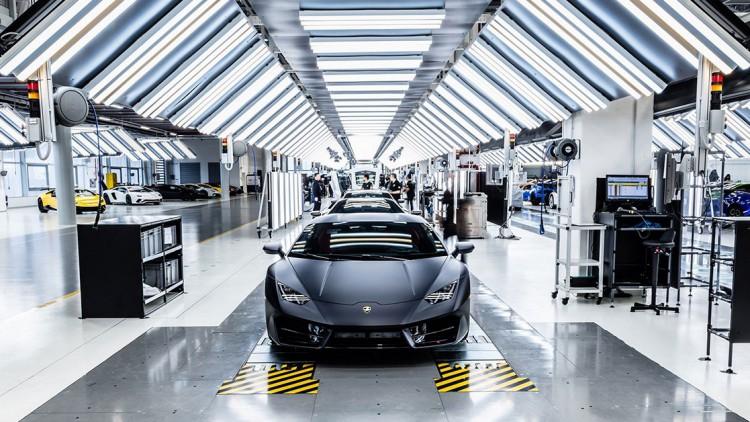 Фабриката на Lamborghini прилича на лаборатория
