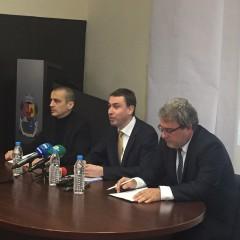 Зам.-кметът Тодор Чобанов, гл. архитект Здравко Здравков и министър Боил Банов