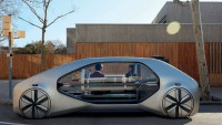 От Renault помечтаха за бъдещото безпилотно такси