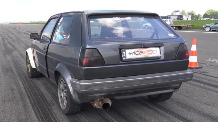 Тунингованият Volkswagen Golf 2 е произведен в края на 80-те години на миналия век
