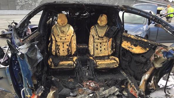 Електромобилите на Tesla могат да изгорят много бързо