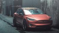Tesla остави повечето от работниците си без заплати