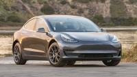 Tesla Model 3 показа, че може да плува (видео)