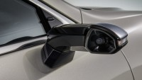 Lexus сменя огледалата с камери
