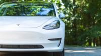 Шефът на PSA критикува колите на ток