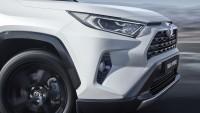 Мълния удари SUV в двиежение (видео)