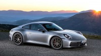 Официален дебют за новото Porsche 911