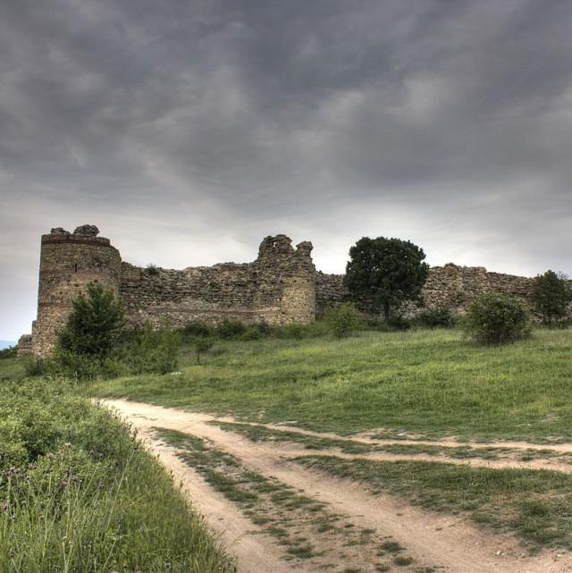 Една от най-добре запазените крепости е край Мезек