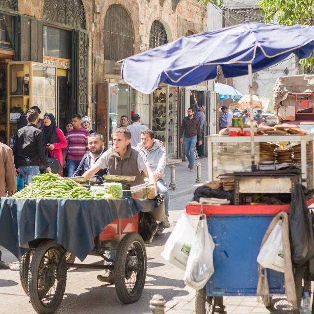 Пазарът в Триполи е като връщане в Османската империя