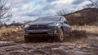 Как се справя Tesla Model X с офроуда (видео)