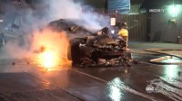 Tesla се самовзриви в Шанхай, а друга се самозапали в САЩ