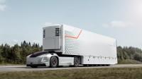 Автономен автомобил на Volvo превозва контейнери