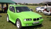"""Токсична """"ГМО"""" кръстоска между Лада Нива и BMW 3-ка"""