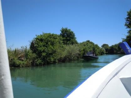 Разходка с корабче при устието на река Ахерондас
