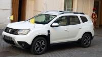 Папата се качва на Dacia Duster