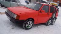 """Руснаци превърнаха Fiat Uno в осемколесно """"чудовище"""""""