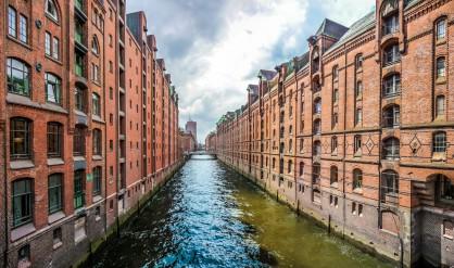 Градският плавателен канал в Хамбург