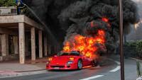 Рядко Ferrari изгоря в Монако (видео)
