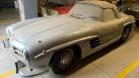 Откриха запазена класика на Mercedes изоставена в гараж